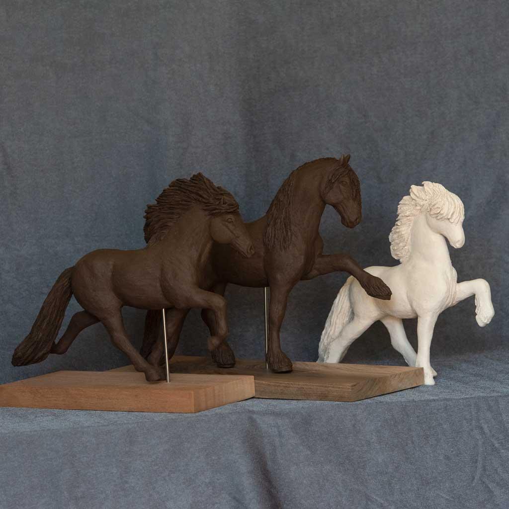 Keramikskulpturen aus der Schweiz - Pferdeskulpturen