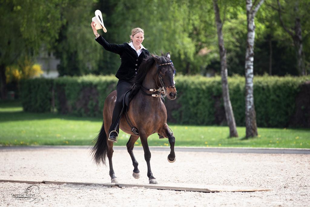 Pferdefotografie Turnierfotografie - Siegerin der Paso Fino Prüfung